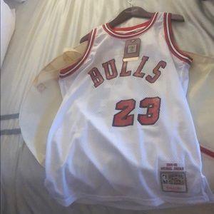 Authentic MJ bulls jersey